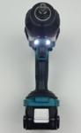 Foto von der Doppel-LED des Makita DTW1002Y1J Akku Schlagschrauber
