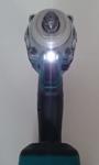 Foto vom LED-Licht des Makita DTW285RTJ Akku Schlagschrauber