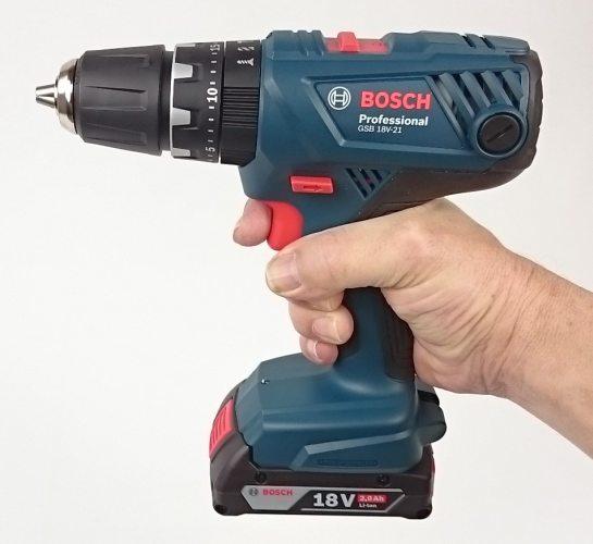 Foto vom komfortablen Handling des GSB 18 V-21 Professional